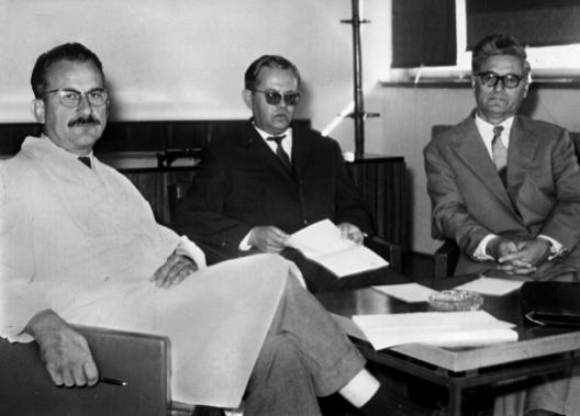 Првото раководство на МАНУ (од лево): Ѓорѓи Филиповски, Блаже Конески и Харалампије Поленаковиќ